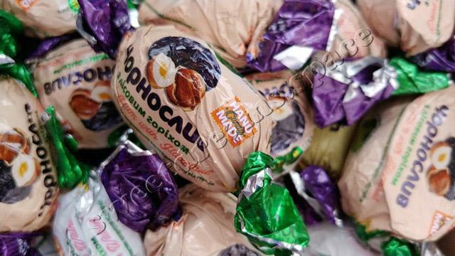 Amanti Чорнослив з лісовим горіхом / Dried Plum with Hazelnut