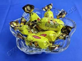 Мистер Бигуин с арахисом / Mr. BIGuin with peanuts